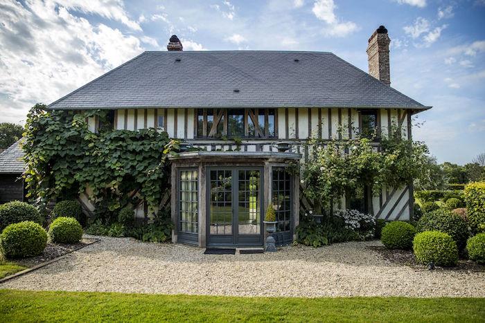Deauville maison maison vendre with deauville maison for Maison avec bow window